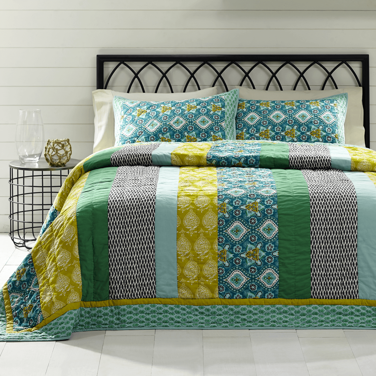 kitchen set oversized blue patchwork country quilt green coverlet cottage queen com home dp full amazon