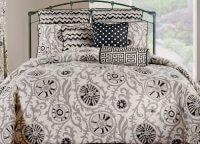 Soho Medallions 4 Piece Queen Comforter Set