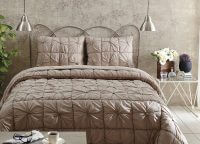 Camille Taupe Queen Quilt Set