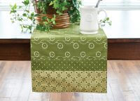 Wythe Garden Vintage Replica Table Runner