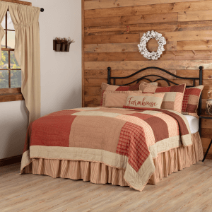 Rory Schoolhouse Red King Quilt Set