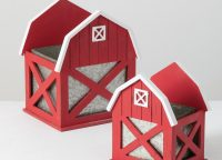 Red Barn Planter Set